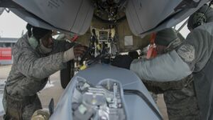 JASSM im Waffenschacht der Boeing B-52 in Barksdale AFB.