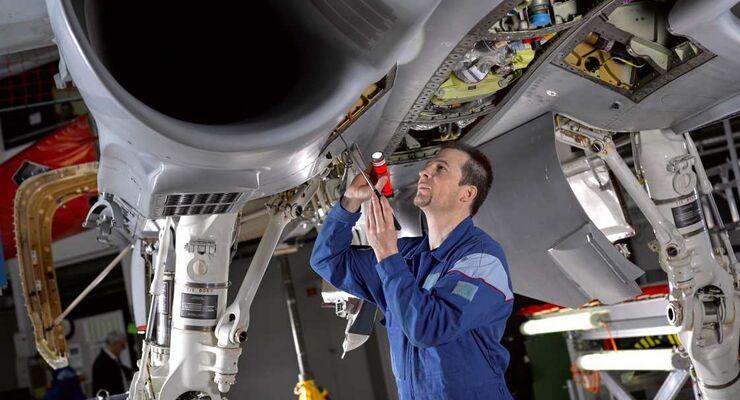 RUAG sucht Flugzeugmechaniker